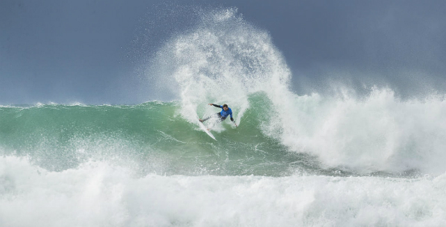 Na trave! Filipe Toledo vence Frederico Morais na final do J-Bay Open por 27 centésimos
