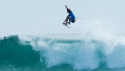 Jack Freestone vence trials na Gold Coast e junta-se à elite